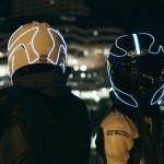 【光るヘルメット!】ELワイヤーバイクヘルメットで視認性アップ&注目度アップ
